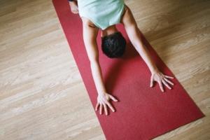 Onlinekurs Yoga - Diese Praxis unterstützt dich, gestärkt in ein neues Jahr zu starten